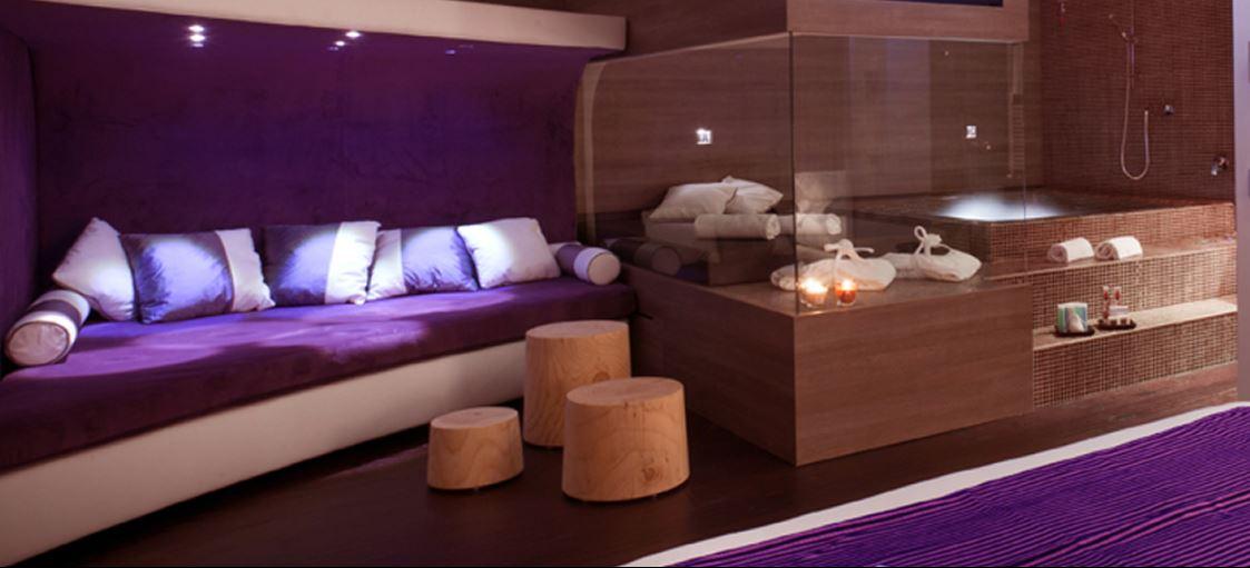 love hotel in italia