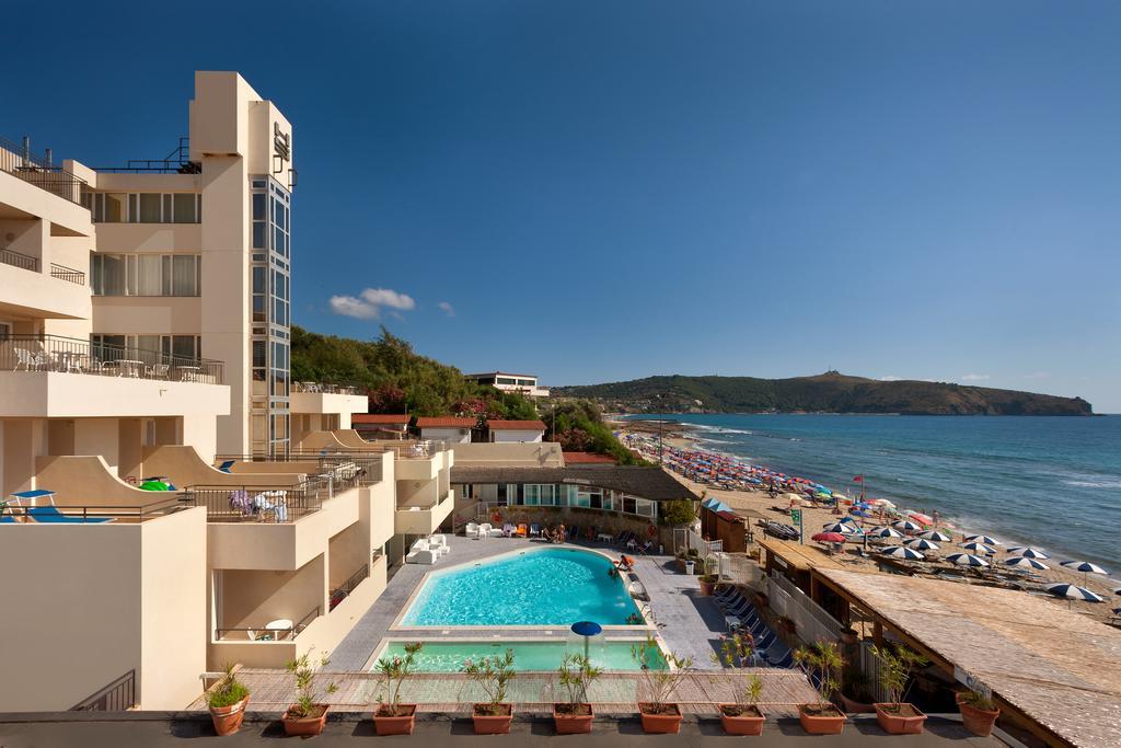 hotel sul mare in cilento